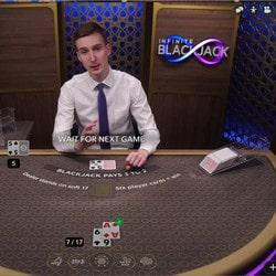 Infinite Blackjack, table de black jack aux places illimitées !