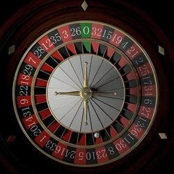 Un croupier de roulette du casino des Sables-d'Olonne utilise la technique de la poussette a la roulette