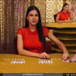 Croupière de baccarat filmée en live d'un jeu accessible sur Magical Spin