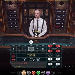 Croupier devant sa table de craps en ligne Craps Live